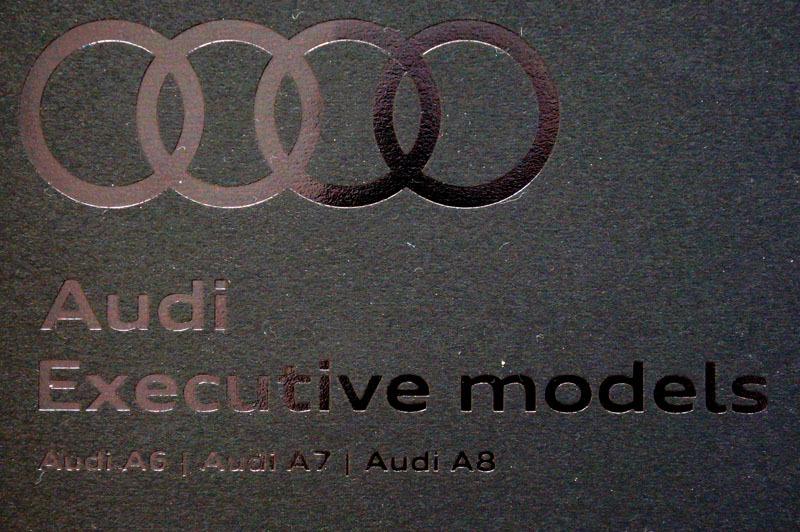Audi カタログ 1.JPG