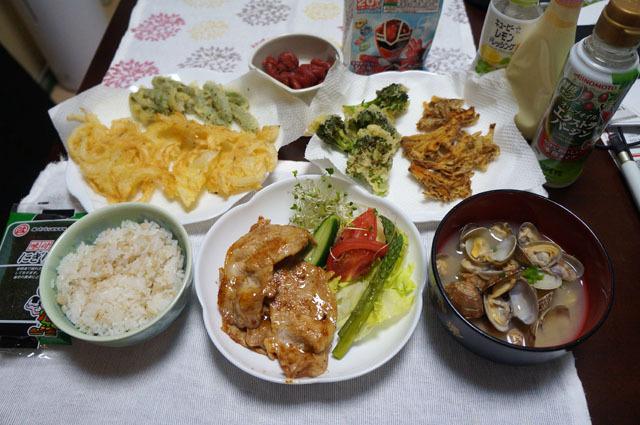 かき揚げ 豚の生姜焼き アサリのお味噌汁 (1).JPG