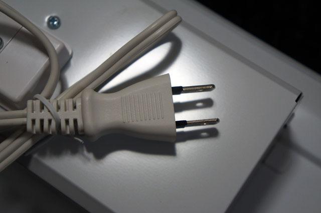 コンセント式LED多目的灯 (3).JPG