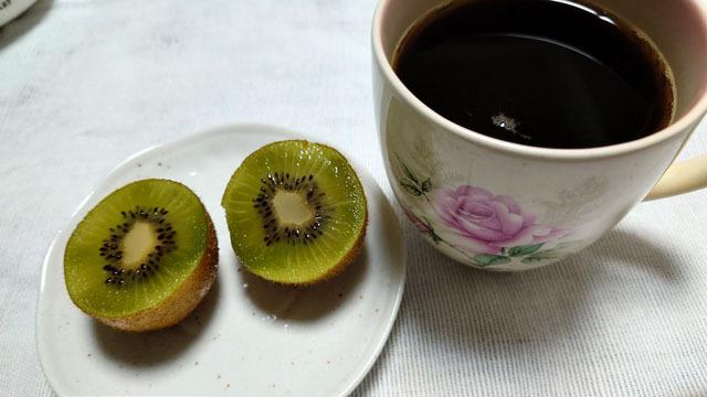 コーヒー&キーウィ.JPG