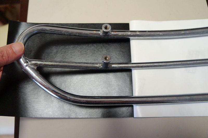 サドルトップトリム カーボンシート 貼り付け-2.JPG