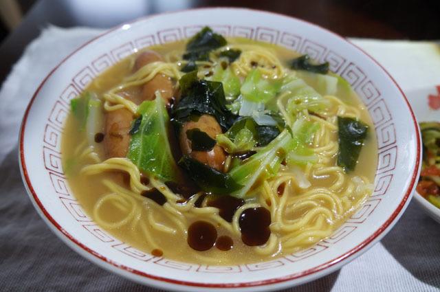 醤油豚骨ラーメン マー油 (2).JPG