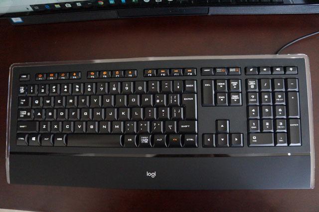 LOGICOOLイルミキーボードK740 (2).JPG